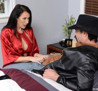 real-wife-stories-reagan-foxx.jpg