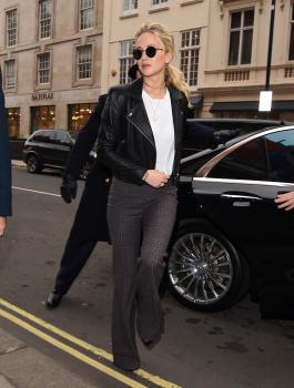 Jennifer Lawrence at her hotel in London 5