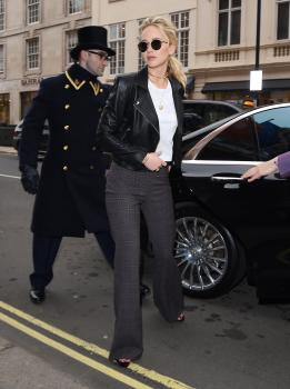 Jennifer Lawrence at her hotel in London 7