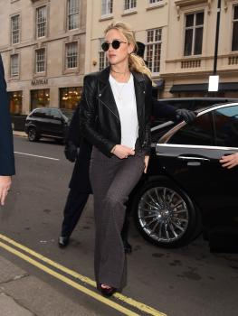 Jennifer Lawrence at her hotel in London 9