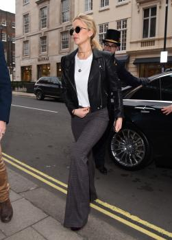 Jennifer Lawrence at her hotel in London 10