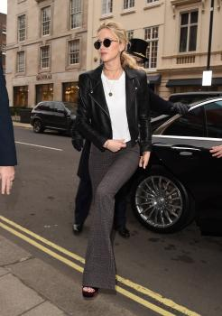 Jennifer Lawrence at her hotel in London 12