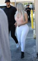 kim-kardashian-out-for-lunch-at-carousel-restaurant-in-hollywood-02-15-2018-10.jpg