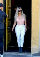 kim-kardashian-out-for-lunch-at-carousel-restaurant-in-hollywood-02-15-2018-13.jpg
