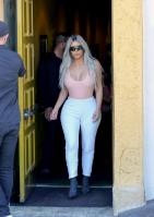 kim-kardashian-out-for-lunch-at-carousel-restaurant-in-hollywood-02-15-2018-15.jpg