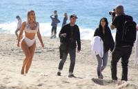 kim-kardashian-on-the-set-of-a-photoshoot-at-a-beach-in-malibu-01-29-2018-0.jpg