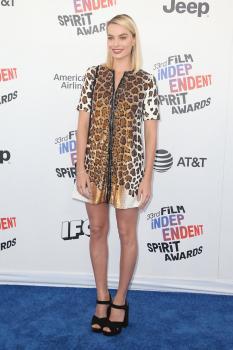 Margot-Robbie-33rd-Film-Independent-Spirit-Awards-in-LA-3%2F3%2F18--c6lakg55sw.jpg
