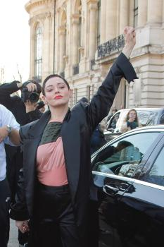 Rose-McGowan-Vivienne-Westwood-show-at-Paris-Fashion-Week-3%2F3%2F18-u6lakjrgx2.jpg