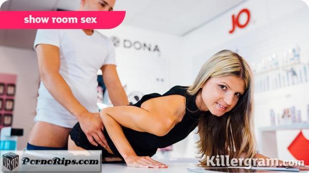 killergram-18-03-03-gina-gerson-show-room-sex.jpg