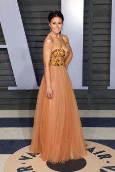 Emmanuelle Chriqui - 2018 Vanity Fair Oscar Party in Beverly Hills 3/4/18 16ld0h41p4.jpg