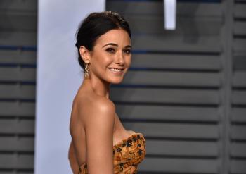 Emmanuelle Chriqui - 2018 Vanity Fair Oscar Party in Beverly Hills 3/4/18 s6ld0i3sly.jpg