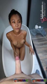 LadyboyGold.com/LadyBoyObsession.com – Cartoon Candy – Bathtub BJ [HD 720p]
