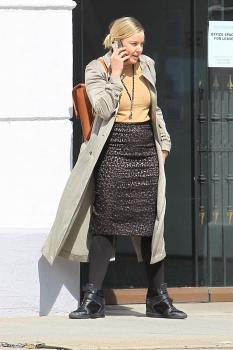 Abbie Cornish on her phone in Beverly 6