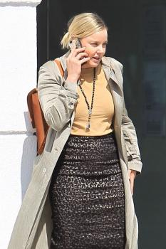 Abbie Cornish on her phone in Beverly 14