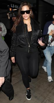 Ashley Graham arrives in LA 3/12/18 4