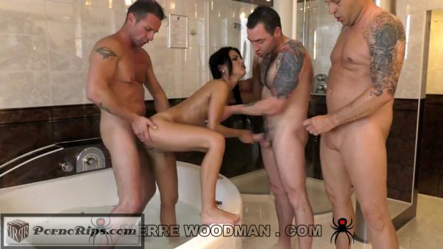 apolonia-lapiedra-hard-in-hot-tub-with-3-men-8909-540p_full_mp4_00_19_41_00019.jpg