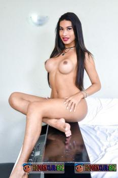 ShemaleShy.com/PornDoePremium.com – Eveline Moura – Sexy Brazilian Shemale Active and Passive Anal Fuck [HD 720p]