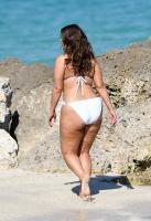 Ashley Graham  Models bikinis on a 16