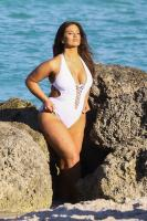 Ashley Graham  Models bikinis on a 91