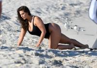 Ashley Graham  Models bikinis on a 120