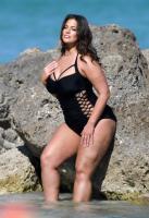 Ashley Graham  Models bikinis on a 146