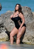 Ashley Graham  Models bikinis on a 147