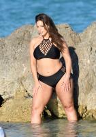 Ashley Graham  Models bikinis on a 165
