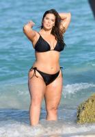 Ashley Graham  Models bikinis on a 196